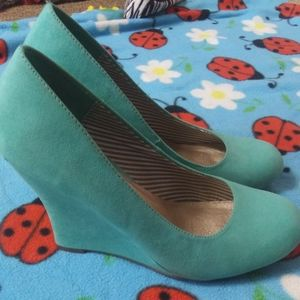 2 FOR $10 SIZE 9 FROM CATOS WOMENS WEDGE HEELS